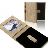 IPFB Pendrive+Photo Case