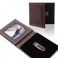 IPFE/NS Pendrive+Photo Case